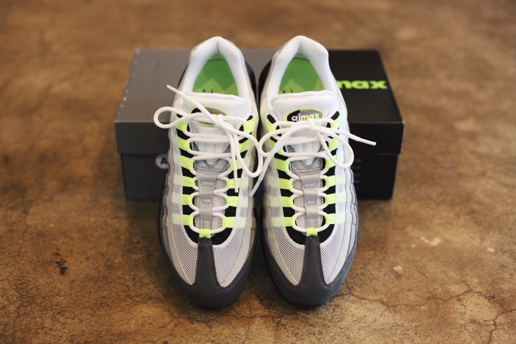 reputable site 1732f 3372b ... Nike Air Max 95 OG Gradient Gray Fluorescent Green 554970-071 Men s  Running Shoes ...